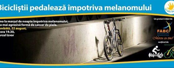 Biciclistii pedaleaza